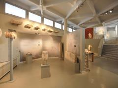 26_Visiting-roman-sculptures-exhibition-trought-rooms-of-Archelogical-Museum-Thassos-Greece.